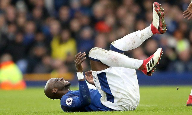 Eliaquim Mangala to miss the rest of the season with a knee injury