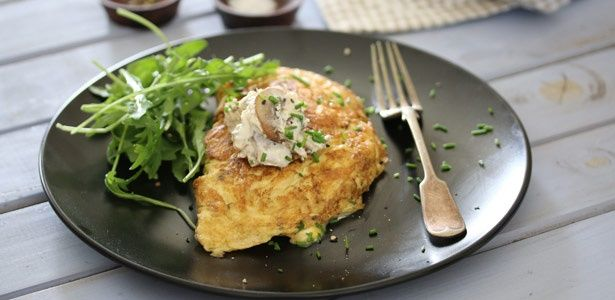 Omelette with creamed mushrooms and chives