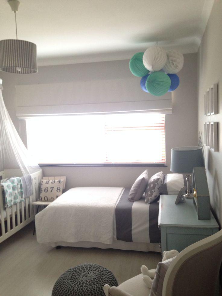Pom poms baby room