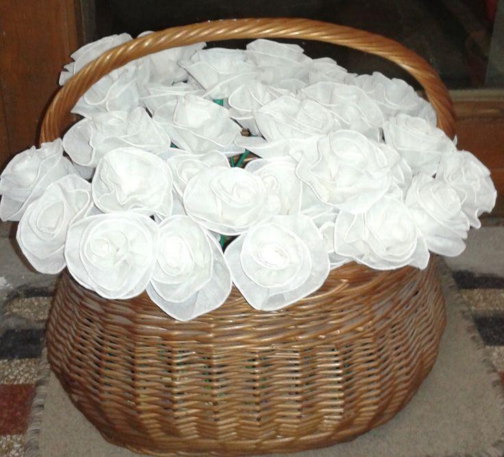 70db krepp papír virág esküvőre