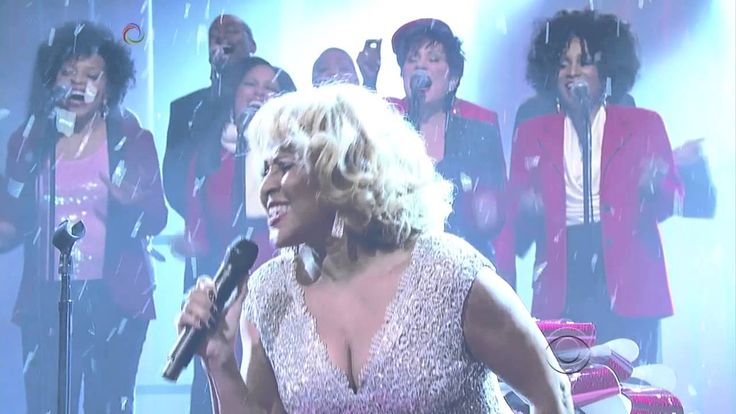 ♥ Darlene Love ♥  [live]  2013 Christmas (Baby, Please Come Home) The Late Show with David Letterman