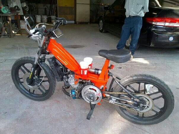 Moby malossi 50cc moped. With dual cup holders! super power!!!