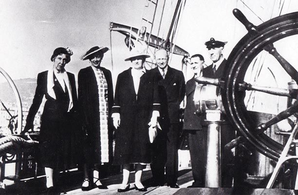 In 1949, under the ownership of Viggo Jarl, guests who were welcomed on board Shenandoah included: Mme Gruss; Count and Countess Knuth: King Christian and Queen Alexandrine of Denmark as well as Edward, The Duke of Windsor and his wife Wallace Simpson.