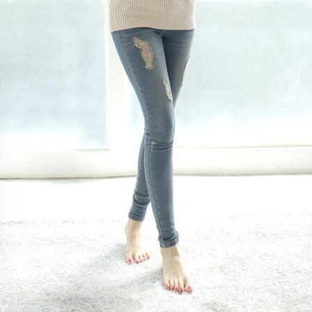 Womens Clothing Store [VANILLAMINT] Skinny Blue Wolf / Size : 25-32 / Price : 31.02 USD #korea #fashion #style #fashionshop #apperal #bottom #pants #jeans #dailylook #dailypants #dailyfashion #dailyjeans #skinny #skinnyjeans #koreashop #ootd #vanillamint