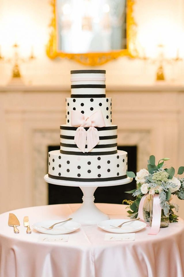 Beautiful Kate Spade themed wedding cake made by PPHG pastry chef Jessica Grossman at Nisha & Justin's wedding at the historic Lowndes Grove Plantation | Charleston, SC | Real Wedding featured on Charleston weddings | Photo by Aaron and Jillian Photography