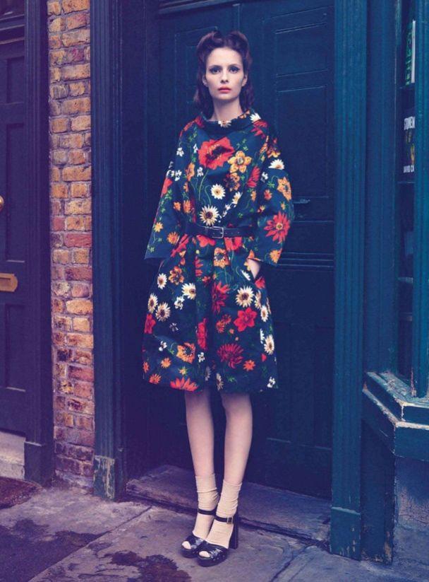 FloralFall Floral, Floral Prints, Harpers Bazaars, Floral Coats, Birds, Flower, Floral Dresses, Vintage Style, Style Fashion