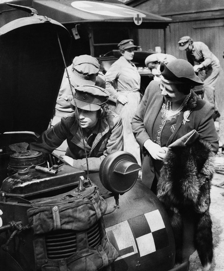 Elizabeth in the army: When the Queen was a truck mechanic In March 1945, a truck mechanic (No. 230873) in the Women's Auxiliary Territorial Service, based at the Mechanical Transport Training Section, Camberley, Surrey, received a visit from her parents and her sister. Her parents just happened to be King George VI and the Queen, and her sister was Princess Margaret. That truck mechanic was Princess – later Queen – Elizabeth. In 1942, at age 16, Elizabeth registered with the Labour Exchange…