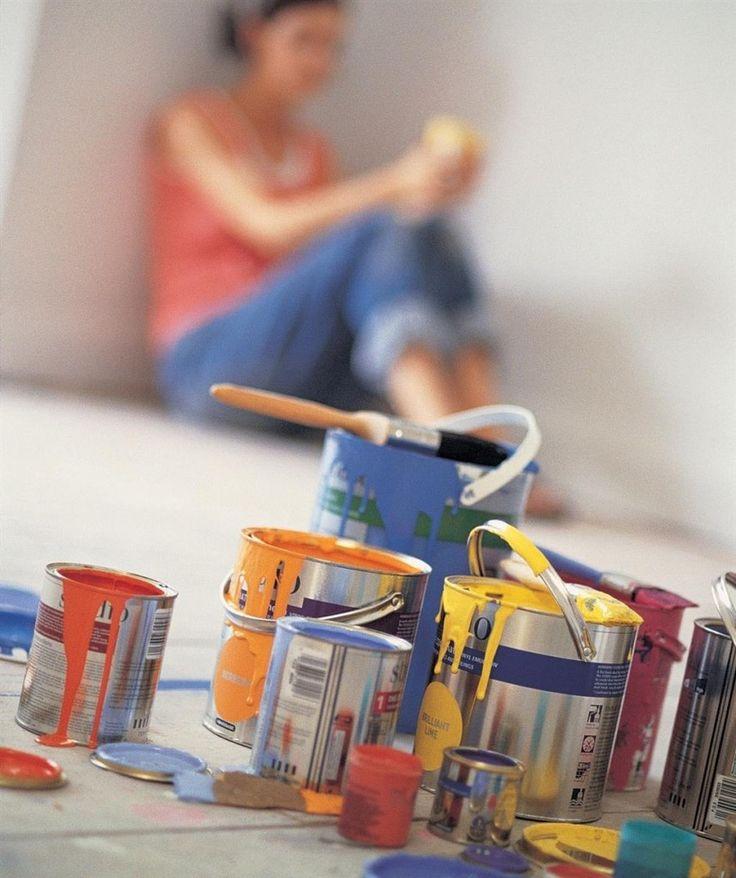 Декоративные эффекты покраски стен | На сегодняшний день появилось множество декоративных материалов и технологий их нанесения, которые предназначены для того, чтобы сделать интерьер квартиры или дома интересным, замысловатым и оригинальным, подчеркнув те ил�