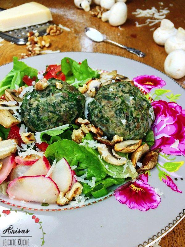 """Relativ einfach zu machen und sehr lecker """"Spinatknödel mit Champignons & Salat"""". Wenn Spinatzeit ist, wie momentan könnt Ihr frischen Spinat nehmen. Diesen nur kurz blanchieren und…"""