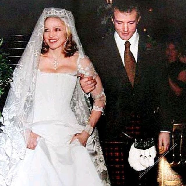 Madonna and Guy Ritchie wedding (22 December 2000 - 21 ...