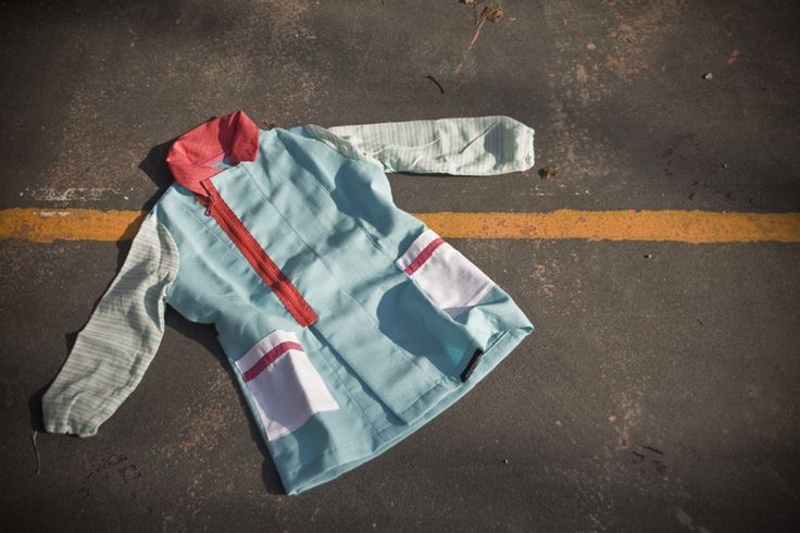 LINO - Kid's apron - 100% -  It is made from scraps of cotton and linen fabrics. aquapotabile.com