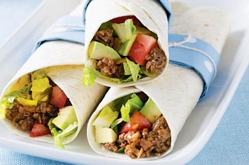 Dinner is a wrap with these tasty tortillas filled with seasoned minced beef and fresh vegetables.