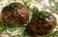 Voici la recette d'un plat traditionnel français : la caillette ardéchoise. Ce mets est assez délicat à préparer mais vous ne le regretterez pas.