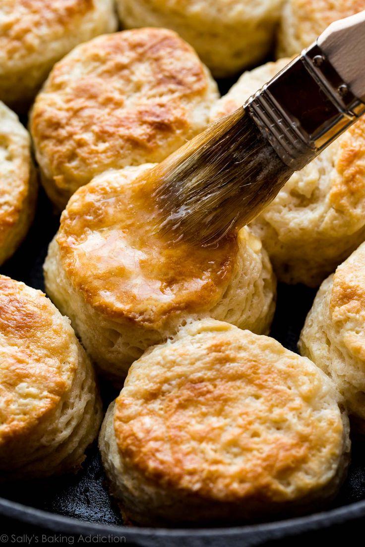 Sólo es necesario 6 ingredientes y unos 30 minutos para avivar Estos ultra mantequilla de oro galletas de mantequilla de mega escamosa de color marrón!  Receta de sallysbakingaddiction.com