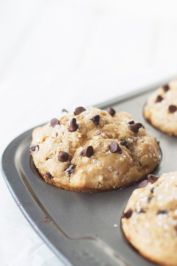 Peanut Butter Chocolate Chip Muffins- an easy muffin that is tender, packed with peanut butter flavor and studded with mini chocolate chips! | countrysidecravings.com