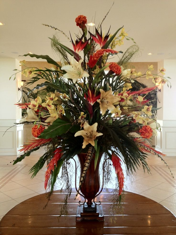 Hotel foyer flower arrangements silk floral in hotel for Foyer flower arrangement