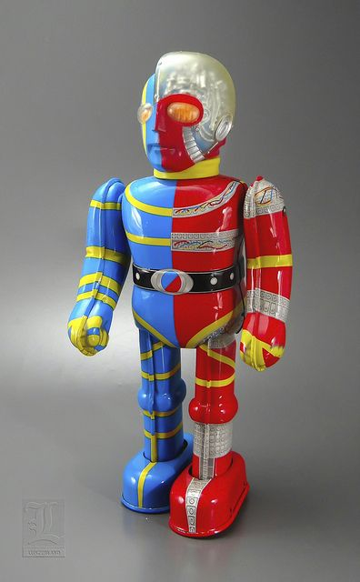 Mechanical KIKAIDER ROBOT red & blue wind-up tin toy by BILLIKEN by LUNZERLAND., via Flickr