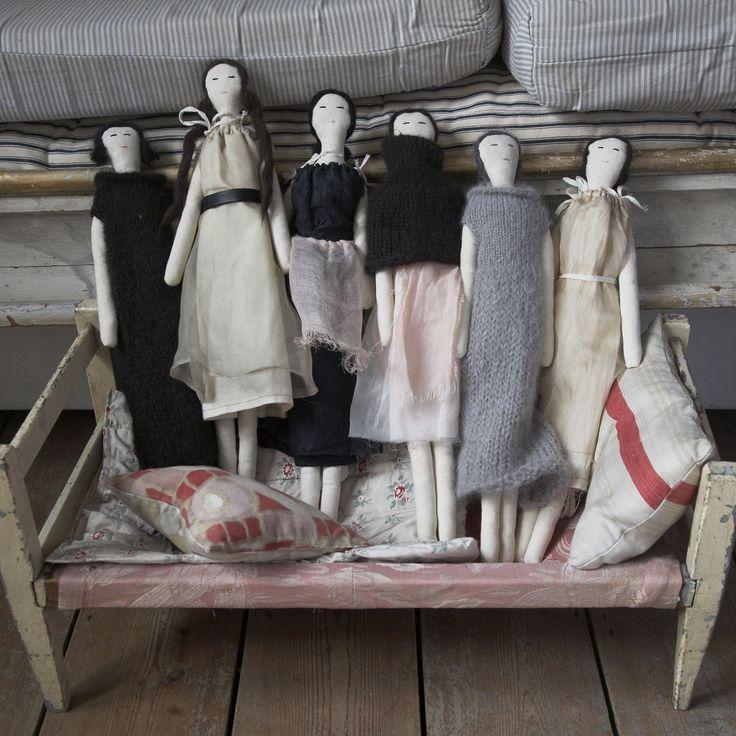 sveta dresher - doll ladies. I like the idea of willowy dolls as fashion models