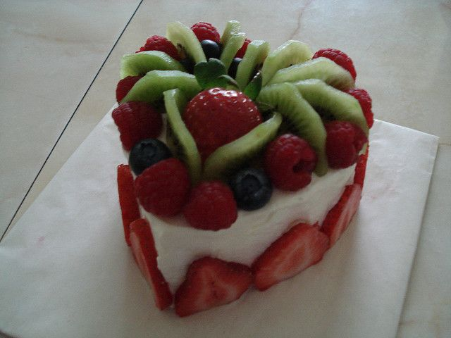 delicious heart shaped fresh fruit cake i made for my boyfriends