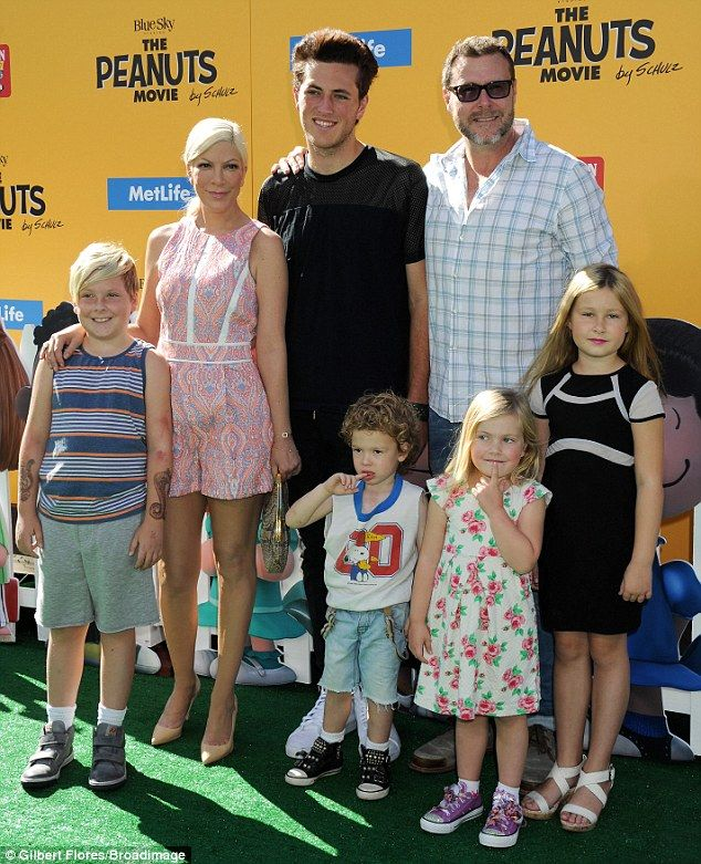 Nutty for Peanuts! Tori Spelling and Dean McDermott looked like the perfect family as they took all of their children to the Peanuts Movie premiere in Los Angeles on Sunday