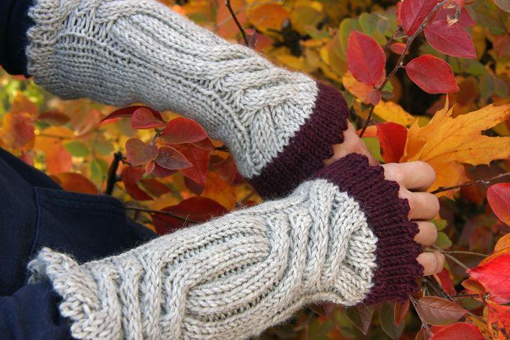 Wrist warmest ~pattern from Kotoliving 4/2013