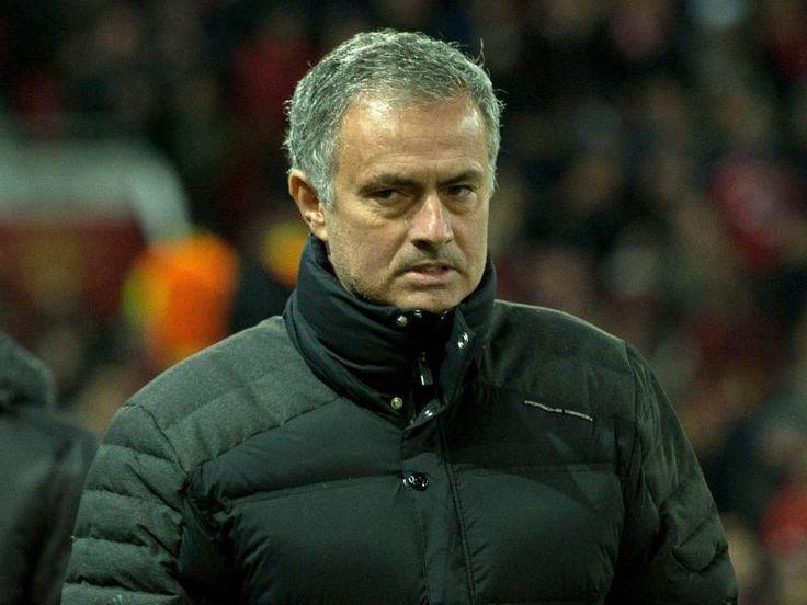 SZ | Ein Spiel Sperre und hohe Geldstrafe #fuer Mourinho Jose Mourinho ist nach seinem Tribuenenverweis am 27. #November #fuer das kommende #Spiel von Manchester United gesperrt worden. Zudem muss der Trainer eine Geldstrafe in #Hoehe von 16 000 Pfund zahlen, wie Englands Fussballverband FA mitteilte. http://saar.city/?p=33745