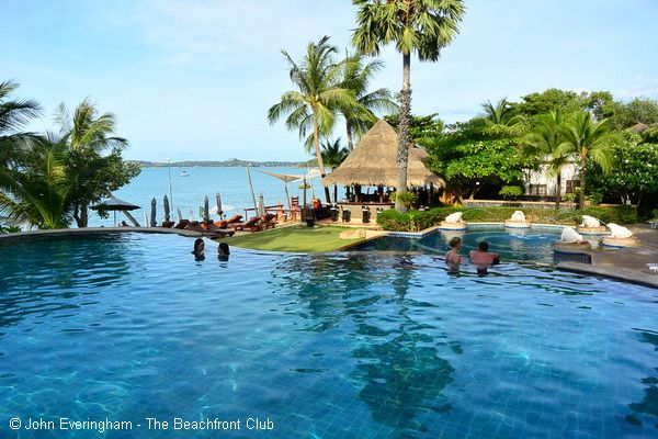 Bandara Resort, Bo Phut Beach, Koh Samui, Thailand. This large pool offers view over the beach to the sea.