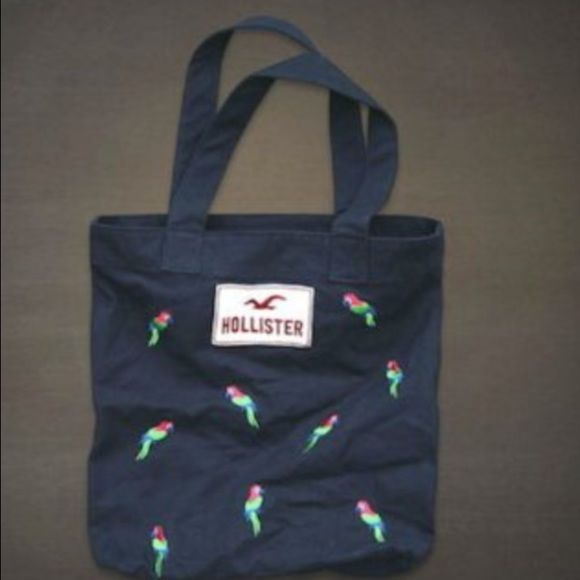 Hollister tote bag Really cute..great tote bag for the pool this summer.. Hollister Bags Totes