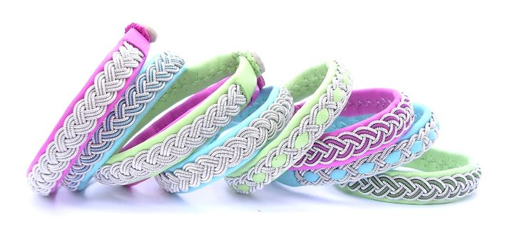 Leather bracelets in happy colors!