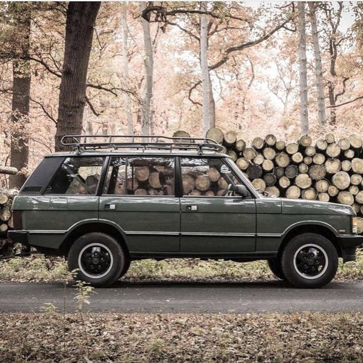"3,083 Likes, 16 Comments - @landroverphotoalbum on Instagram: ""The beguiling LSE By @britishcarsdrivers #landrover #RangeRover #RangeRoverClassic…"""
