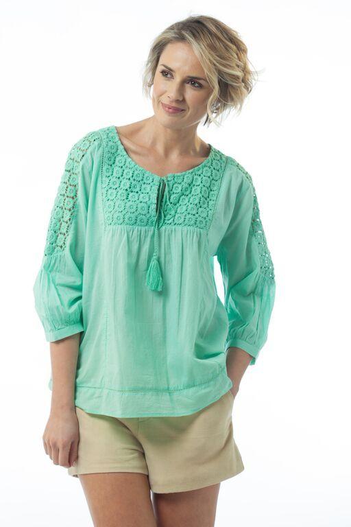 http://www.laloom-kaftans.com.au/wp-content/uploads/2015/09/Aliya-cotton-lace-top-mint-front.jpg