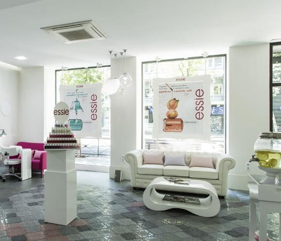 Best 25 centro de estetica ideas on pinterest centro for Decoracion para centro estetica