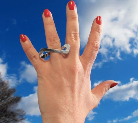 Silver Infinite ring, silver, by Vero Lázár,  Design jewelry, art jewelry, contemporary jewelry, elegant simplicity, minimal