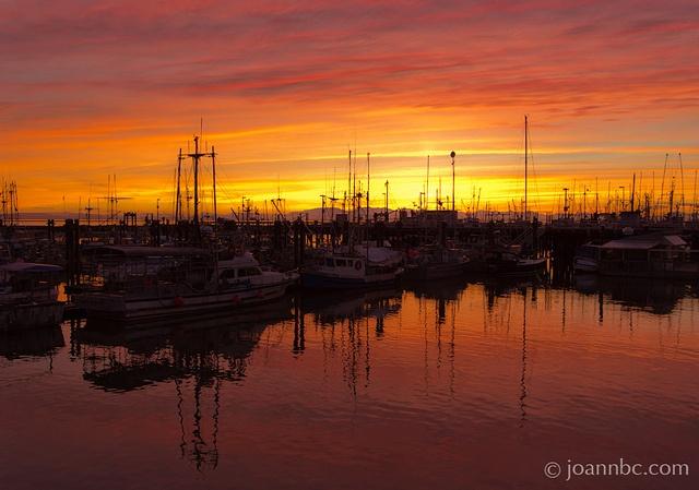 sunset by the water, Steveston Village, Richmond #stevestonhomes #stevestonrealestate