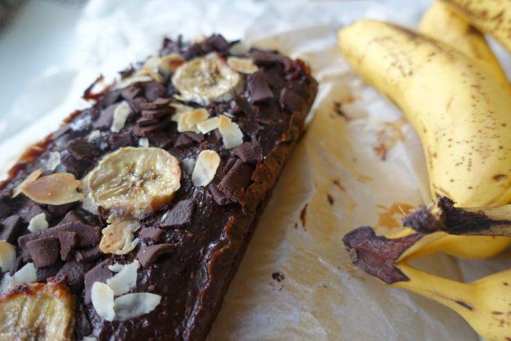 Vegan double chocolate bananacake