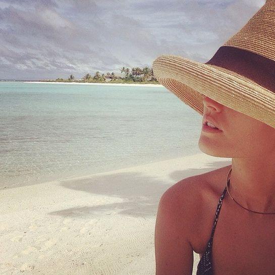 Toni Garrn à Tahiti http://www.vogue.fr/mode/mannequins/diaporama/la-semaine-des-tops-sur-instagram-39/19893/image/1041319#!toni-garrn-a-tahiti