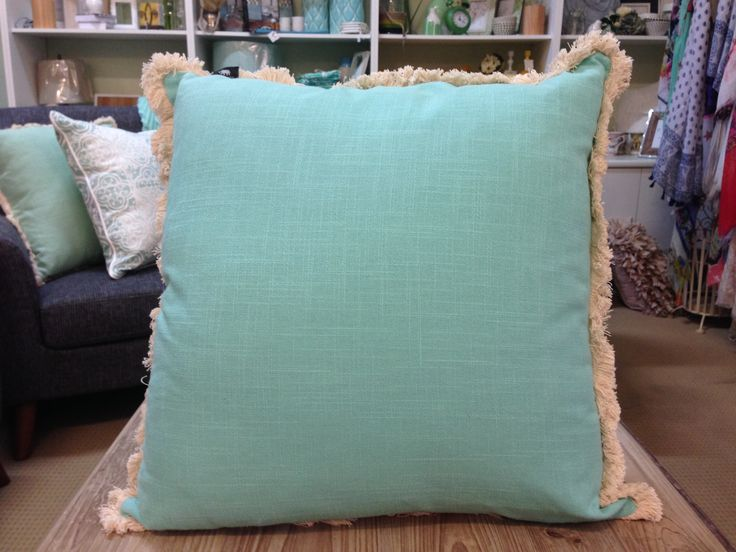 FINN AQUA SOLID CUSHION