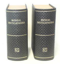 Videoton Musical Encyclopedia D93 'Bookshelf speakers'. Bücher? Lautsprecher!! Genial!