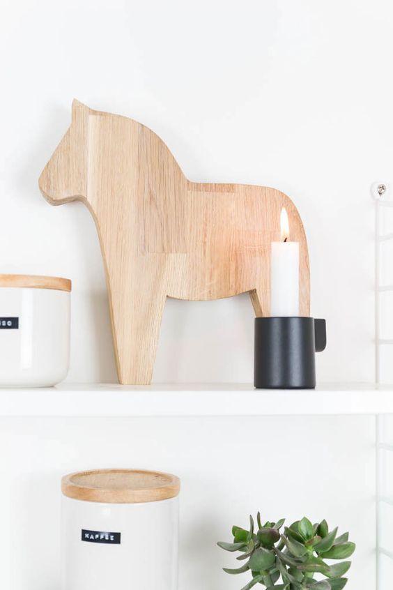 DIY Dalarna Pferd aus Holz sägen - Weihnachtsdeko im Hygge Scandi Style
