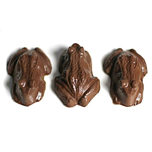 10 Harry Potter Recipes You Can Make in Real Life | CHOCOLATE FROGS | If only these delicious little amphibians were made with 70% Croakoa and came with a collectible witch or wizard card (fingers crossed for Dumbledore!). But we'll happily settle for this adaptation – made with peanut butter filling – and be grateful they can't hop away. Get the recipe HERE