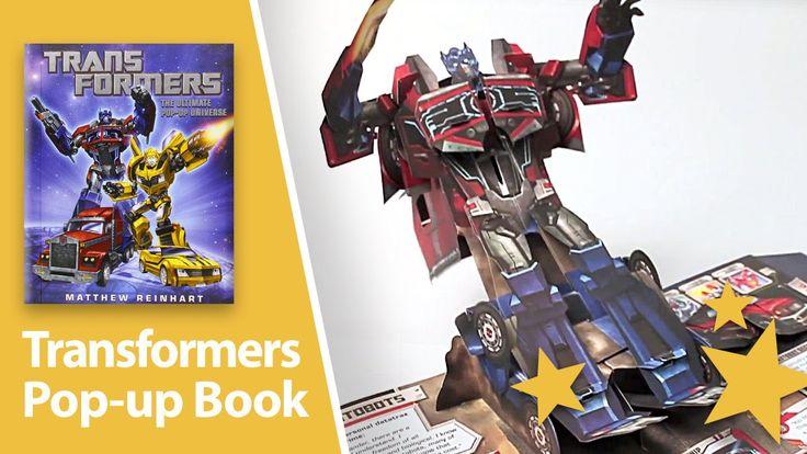"""Es gibt viele beeindruckende Pop-up-Bücher, wie zum Beispiel dieses von """"The Walking Dead"""" oder das von Star Wars oder das Pop-up-Buch der Phobien. Zum Gedenken des 30. Jahrestag der Transformers Spielzeug Linie erschien dieses Buch mit mehr als 35 ikonischen Transformers, von denen..."""