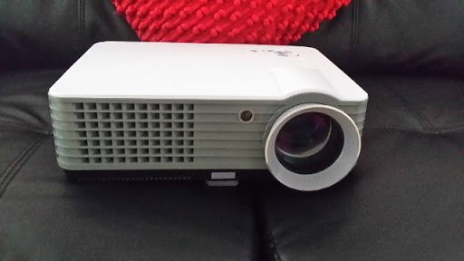Excellent home theatre projector brand new unused. Great for playing PS3 or xbox games or watching movies on  has 2 USb inputs and 2 HDMI inputs  built in speakers Contact me for time to see it working