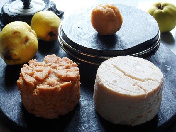 ГОРОХОВЫЙ ПОСТНЫЙ СЫР. Этот сыр реально имеет вкус сыра, а не гороха. Представляет интерес не только для постящихся, но и для сыролюбов. В зависимости от времени сбраживания и формовки можно получить разный сыр и составить сырную тарелку, которая украсит новогодний стол тем , кто постится. Легок в приготовлении.