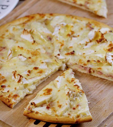 pizza normande au camembert cur de lion - Location Camion Pizza Mariage