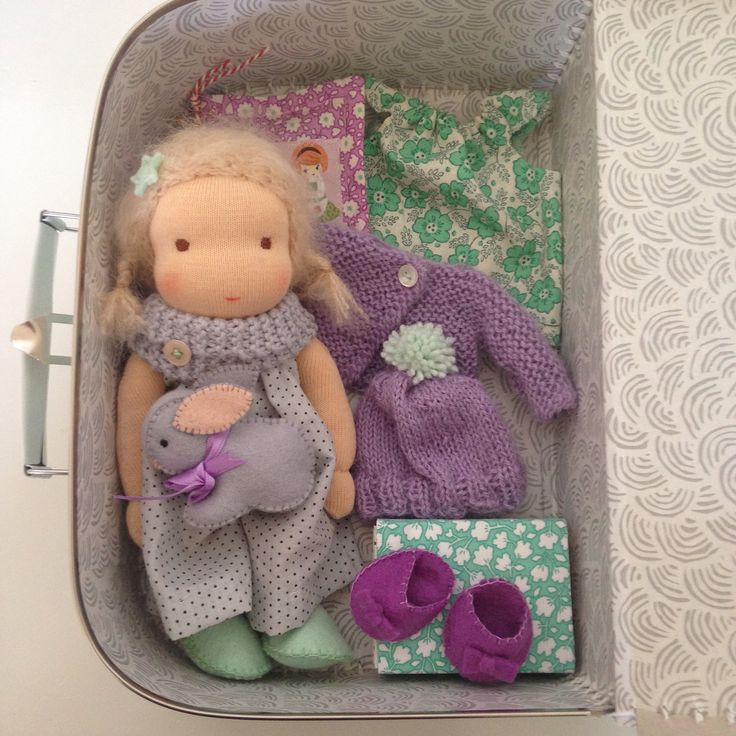 Little suicase doll made by Else Besjes