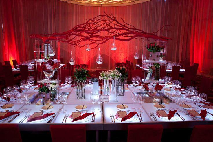 Idée de décoration de salle de réception pour mariage. Inspiration pour un  joli décor de