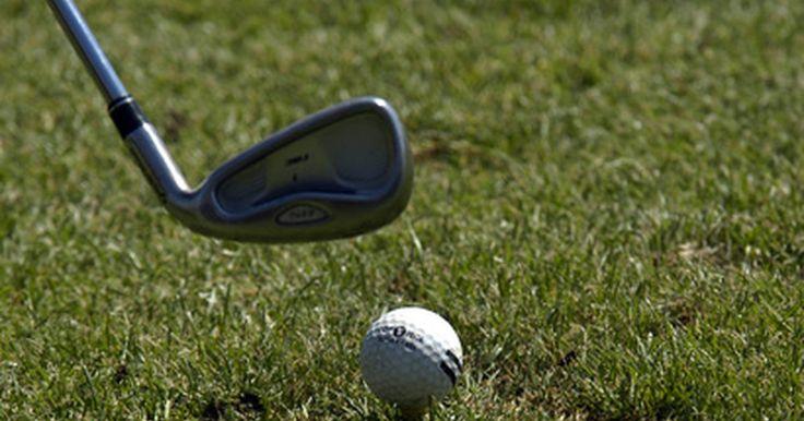 Palos de golf de hierro y de grafito. Tanto si eres un experimentado profesional o un aficionado, la elección del equipo de golf adecuado puede marcar una gran diferencia en la calidad de tu juego. El palo de golf, en particular, se considera que es uno de los componentes más importantes ya que puede afectar la precisión, la velocidad y la trayectoria de la pelota. Los hierros de golf ...