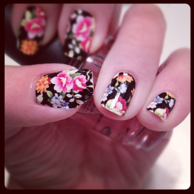 Spring flower nails :) Nail stickers from Rue 21