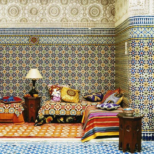 it's not just the tiles but the combination of color and pattern... makes me want to hunker down with my Hooka for a spell.
