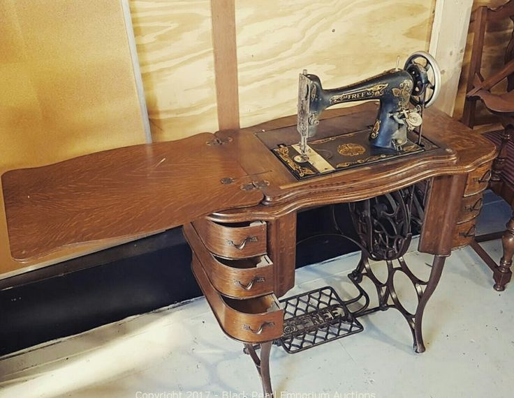 Stunning antique sewing machine. This is an amazing find and features in our upcoming auction. Click here to bid https://auction.blackpearlemporium.ca/m/#/auction/18/item/antique-treadle-the-free-sewing-machine-of-chicago-vintage-no5-in-oak-cabinet-89 #collingwood #homedecor #furniture #auctions